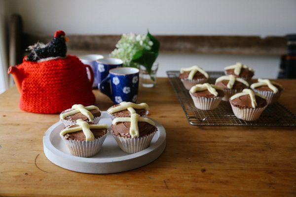 Hot Cross Cupcakes