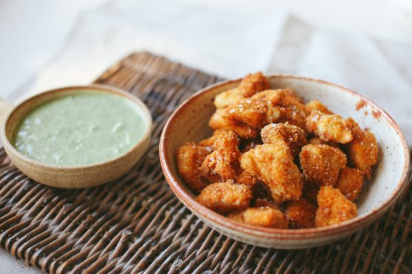 Popcorn Chicken with Coriander Yogurt Sauce