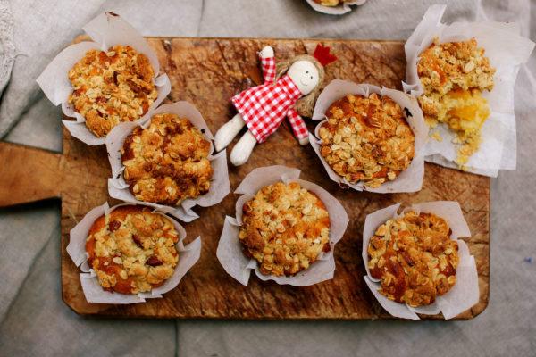 Christmas Morning Mango Crumble Muffins