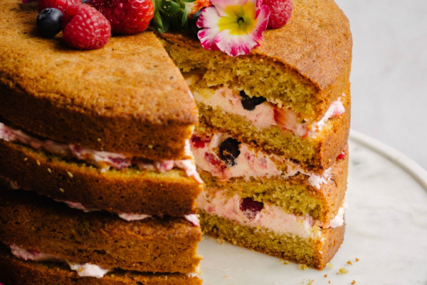 Berry, Pistachio & Mascarpone Cream Layer Cake