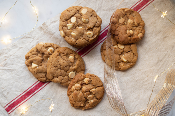 Gingerbread Spice Cookies with White Chocolate